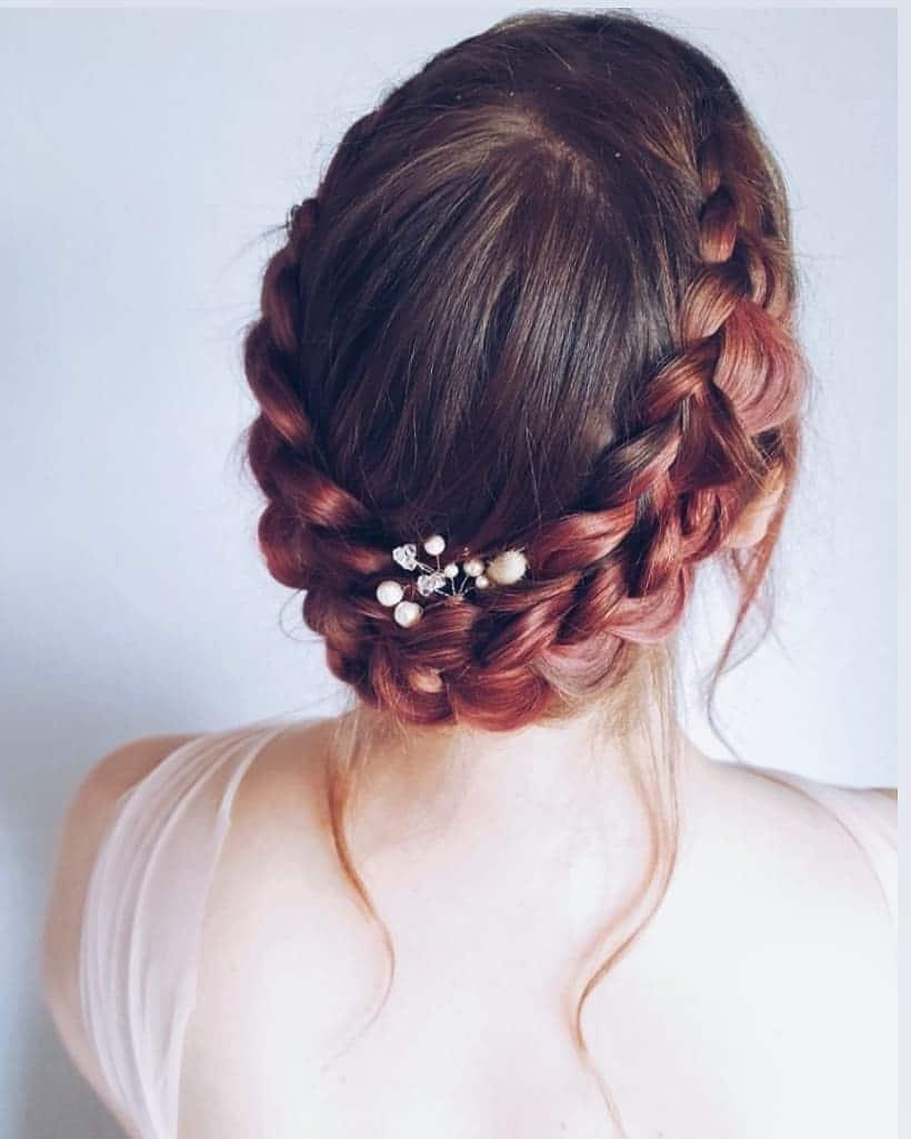 fryzury ślubne z warkoczem i welonem