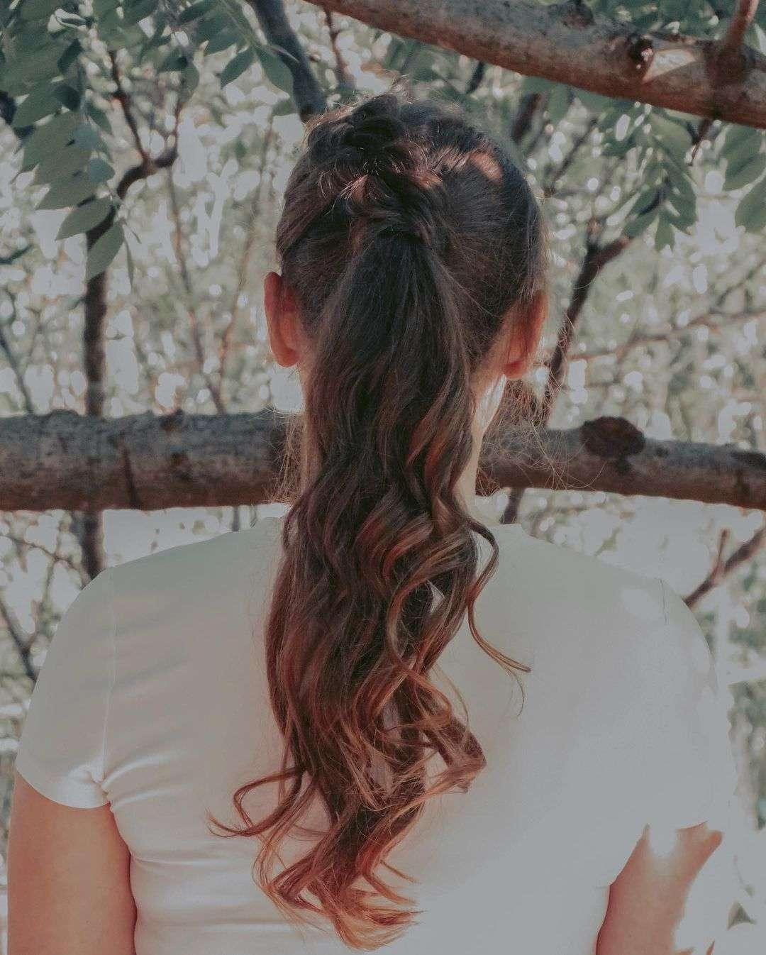 fryzury komunijne z warkoczem