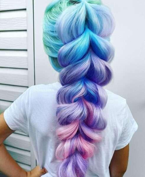 fryzury z dobieranym warkoczem