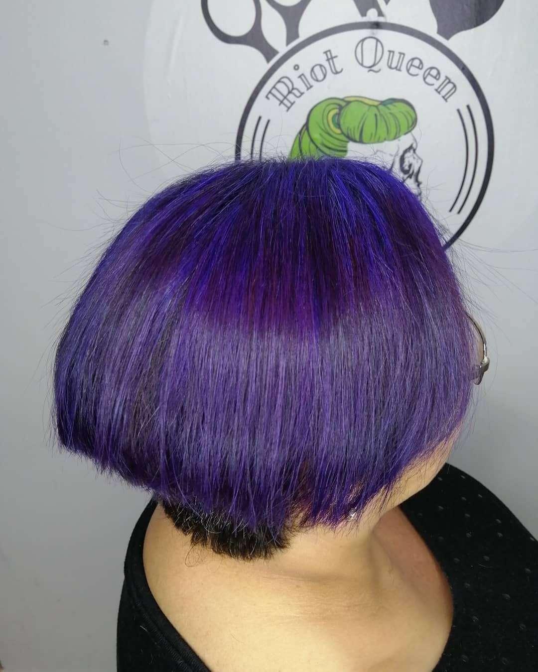 damska fryzura na grzybka