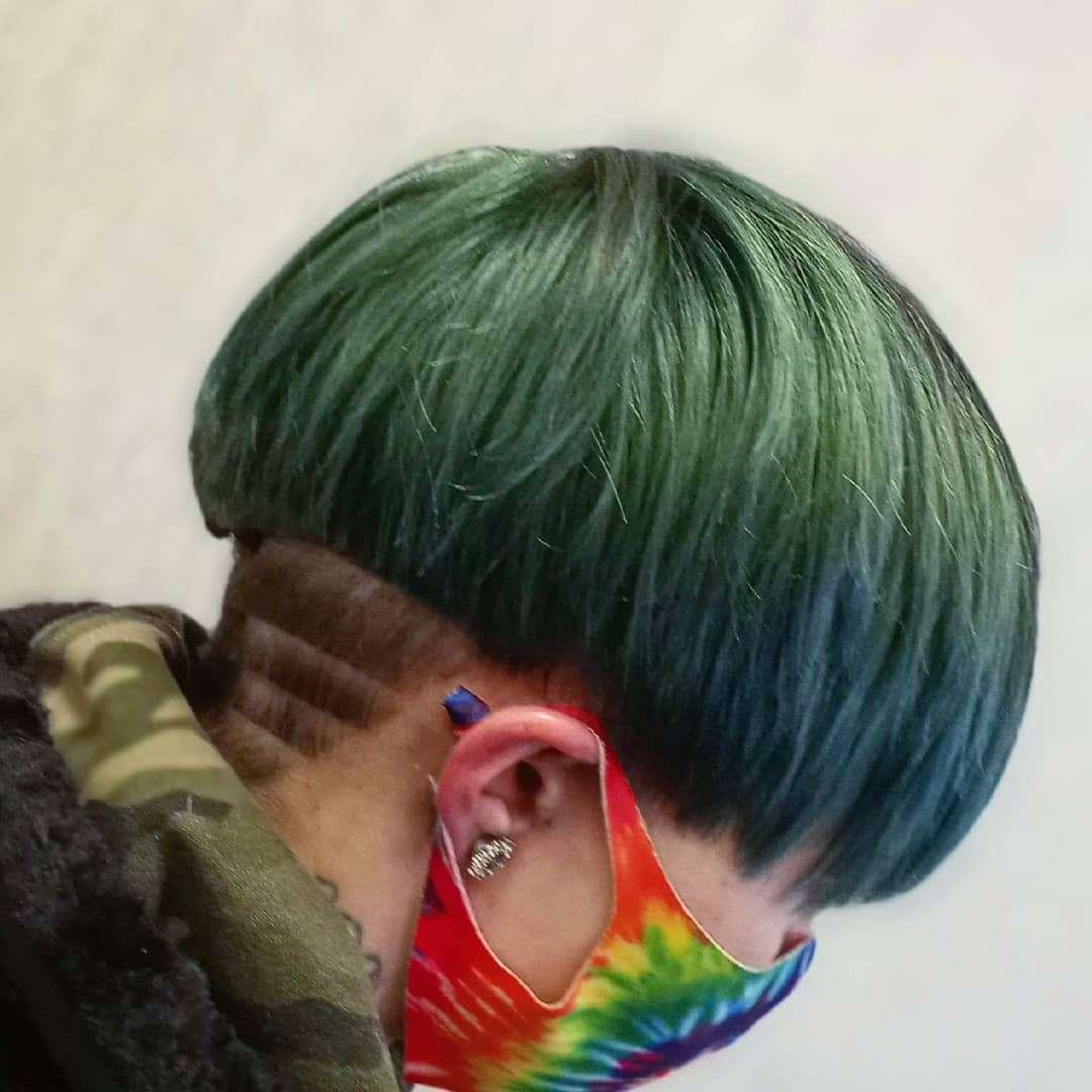 fryzura na pieczarkę