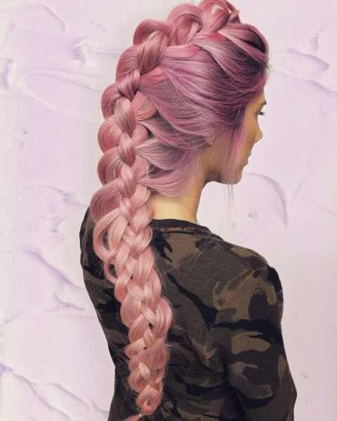 fryzury z warkoczem na boku