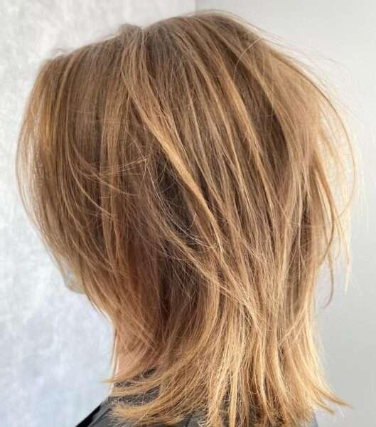 corte de pelo asimétrico y despeinado