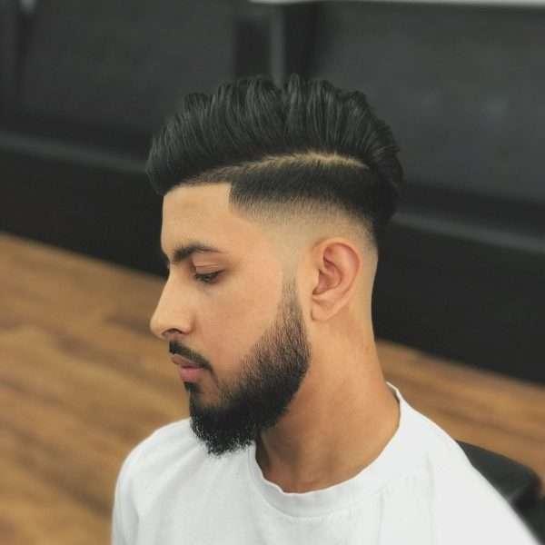 męskie fryzury 2021