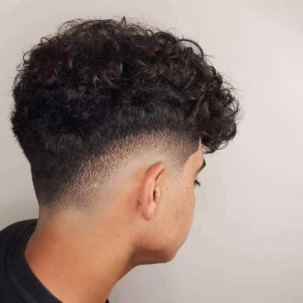 fajne męskie fryzury młodzieżowe