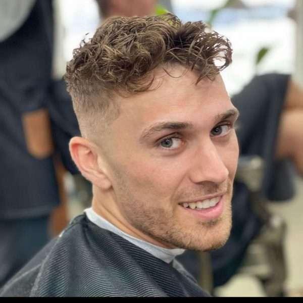 fryzury męskie loki