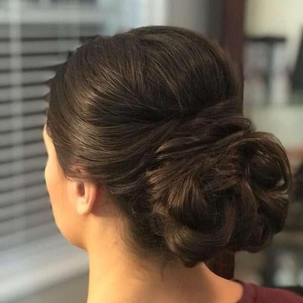 peinado bollo volumen